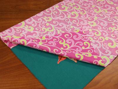 Free project instructions to create a beach towel roll-up.
