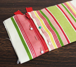 Moonwishes Crafts: Embroidered checkbook cover