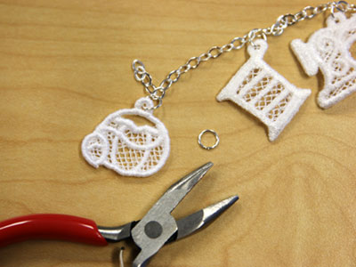 Free project instructions to embroider miniature lace.