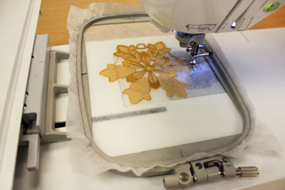 Free project instructions on how to embroider freestanding lace.