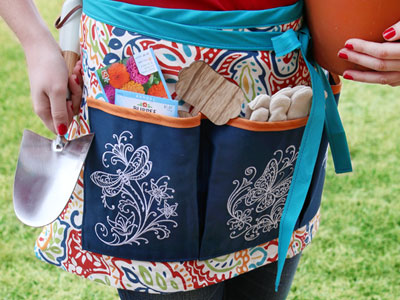 Free project instructions on how to create a gardener's apron.