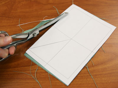 Free project instructions to embroider tissue holders, in-the-hoop.