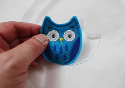 Free project instructions to embroider In-the-Hoop Toppers.