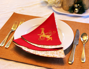 Embroidery Library - Embroidered Christmas Tree Napkins
