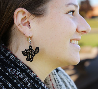Free project instructions to embroider light & lacy earrings.