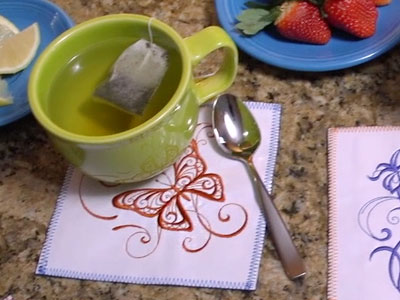 Free project instructions to embroider on oilcloth.