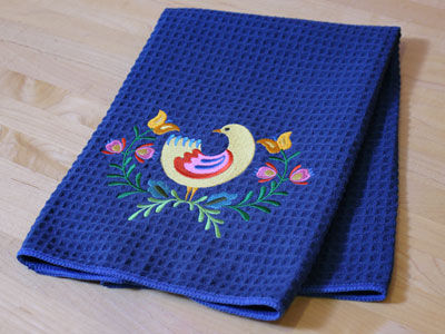 Free project instructions to embroider on waffle weave fabric.