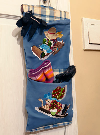 Free project instructions to create a cold weather catchall.