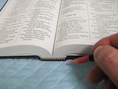 Free project instructions for creating a basic Bible cover.