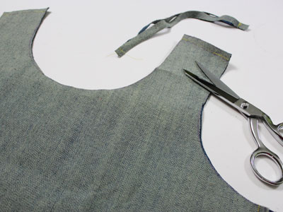Free project instructions to create a t-shirt tote bag.