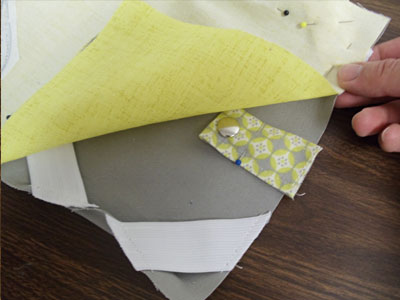Free project instructions to create a cozy-up e-reader cover.