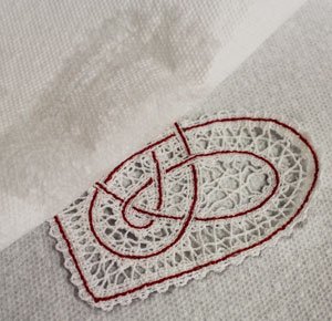 Free project tutorial for a machine embroidery design in-the-hoop utensil holder.