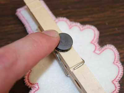 Free project instructions to embroider clothespin cozies, in-the-hoop.