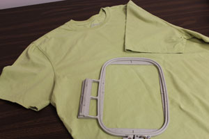 Free project instructions for hooping t-shirts for machine embroidery