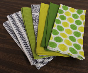 Free project instructions to make a tea towel table topper.