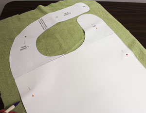 Free project instructions to make an adult bib with machine embroidery designs.