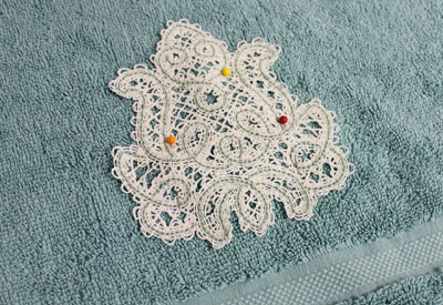 Free project instructions on how to embroider battenburg lace ornaments.