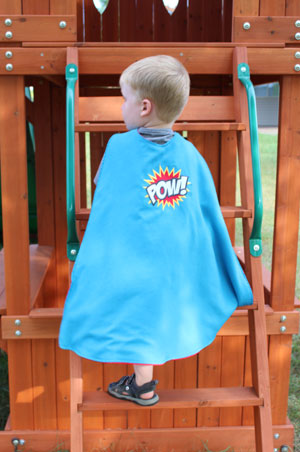 Free project instructions to make a superhero cape for kids!