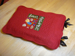 Free project instructions to make a casserole cover from a placemat.