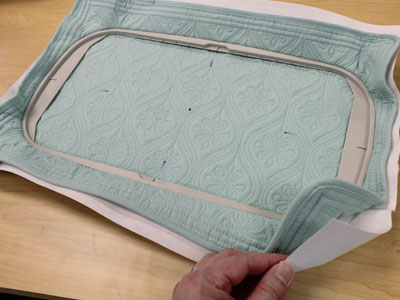 Free project instructions to make placemats into a casserole cover.