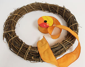 Free project instructions to make a gratitude wreath.
