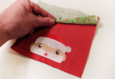 Free project instructions to make a Christmas on the Edge bunting