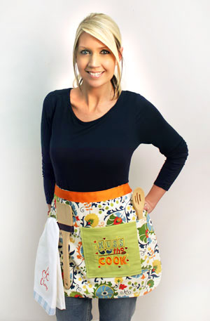 Free project instructions to make an embroidered loops and pockets apron.