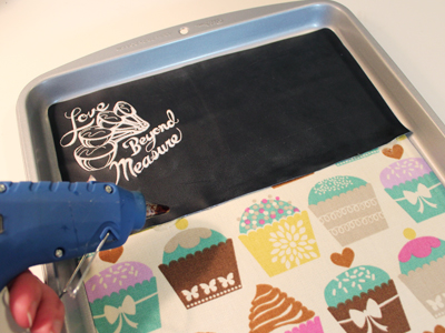 Free project instructions to create a crafty kitchen message board.