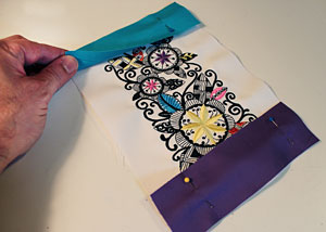 Free project instructions for an embroidered tote bag