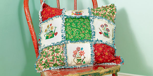Free project instructions to create a Rag Quilt Pillow.