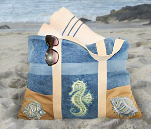 Free project instructions to make a beach towel tote!