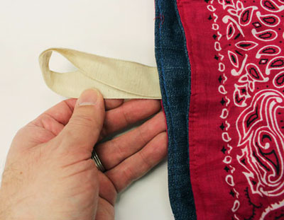 Free project instructions to embroider a giddy up drawstring bag.
