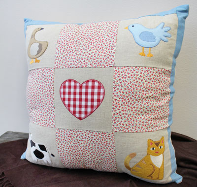Free project instructions to make a Nine Patch Pillow.