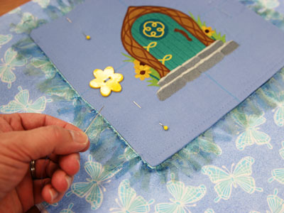 Free project instructions on how to create a bedtime story pillow.