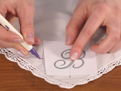 Free project instructions to embroider on handkerchiefs.