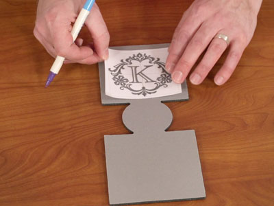 Free project instructions to make embroidered can koozies.