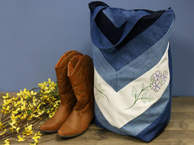 Free project instructions to create a patchwork denim tote.