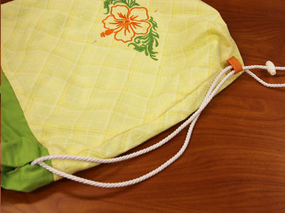 Free project instructions to create a pineapple backpack.