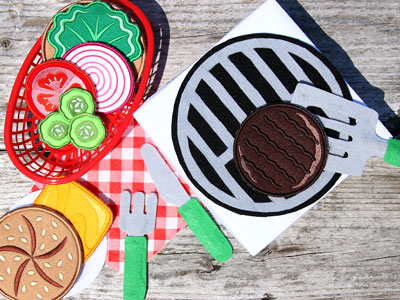 Free project instructions to create in-the-hoop play food.