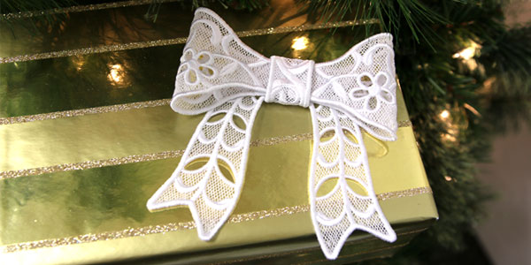 Free project instructions to make a beautiful lace bow.