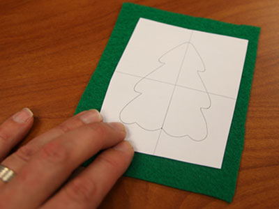 Free project instructions to make Christmas cookie ornaments in the hoop.
