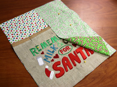 Free project instructions to make a Dear Santa mug rug.