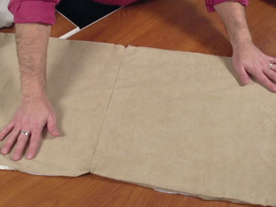 Free project instructions for a throw pillow makeover.