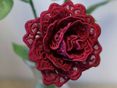 Free project instructions to create a freestanding lace rose.