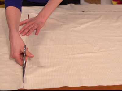 Free project instructions to create an embroidered baby receiving blanket.