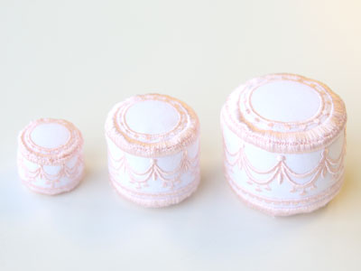 Free project instructions to create an In-the-Hoop Wedding Cake Pincushion.