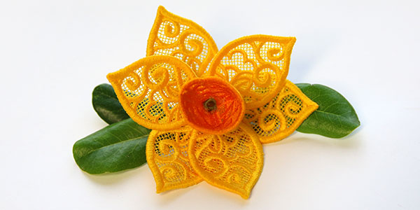 Free project instructions to create a 3D Freestanding Lace Daffodil.