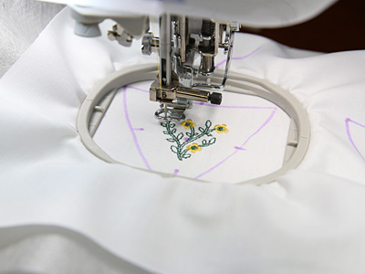 Free project instructions on how to create quilt blocks in-the-hoop.
