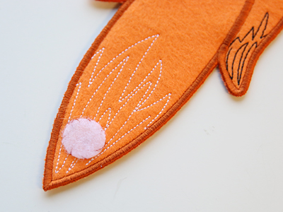 Free project instructions to create in-the-hoop cozy critters.