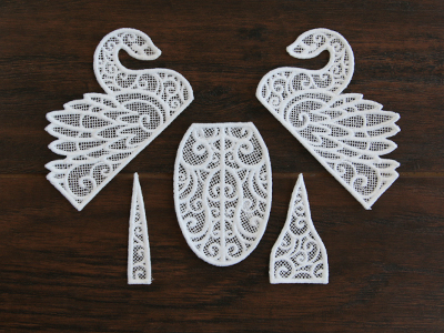 Free project instructions for creating a 3D Lace Swan.